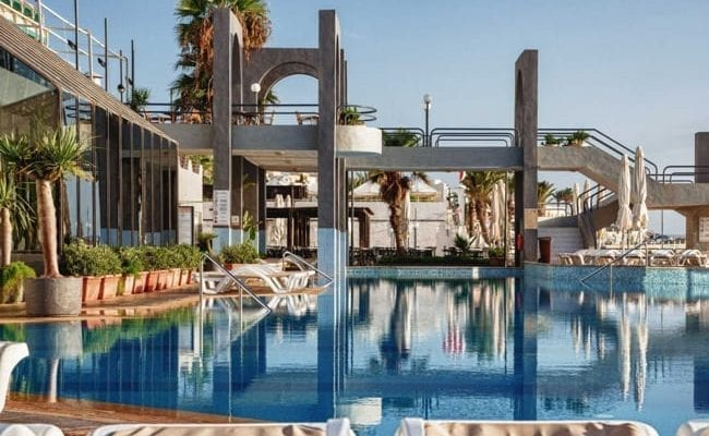 Sun & Surf Pool Bar